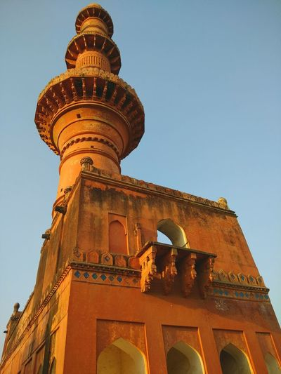 Tower Travel Destinations Royalty Mughalart MughalStyle Mughalarchitecture Vintage Tourism India_gram Indian Culture  Minaret Fortress Mosque Architecture Mosque Photography Mosque Tower MughalEra Architecture Building Exterior