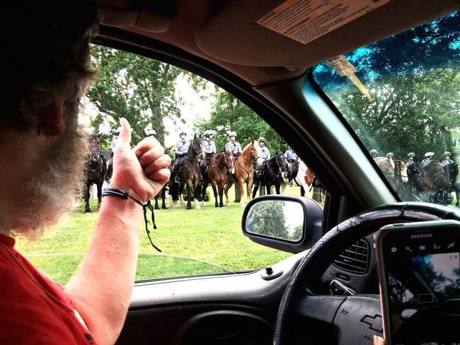 Let's Go. Together. Gettysburg Police Horse Freedom Street Photography Gettysburg Pennsylvania Officer Police Force Police At Work Police Car Politics And Government Polo Horses Horses Of Eyeem Horse Life Horse Photography  Horse Riding Horseback Riding Appreciation From My Point Of View Real People Thumbs Up