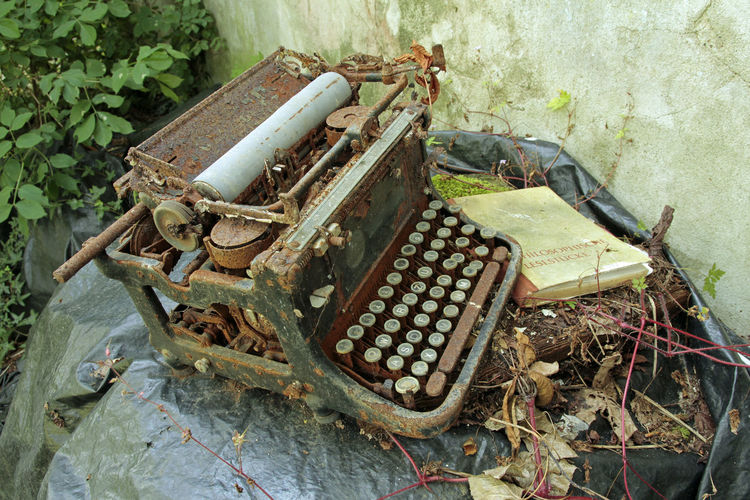 Abandoned Places Typewriter Urbexing Club Urbexing Lost Places Day Nature No People Metal Old Outdoors