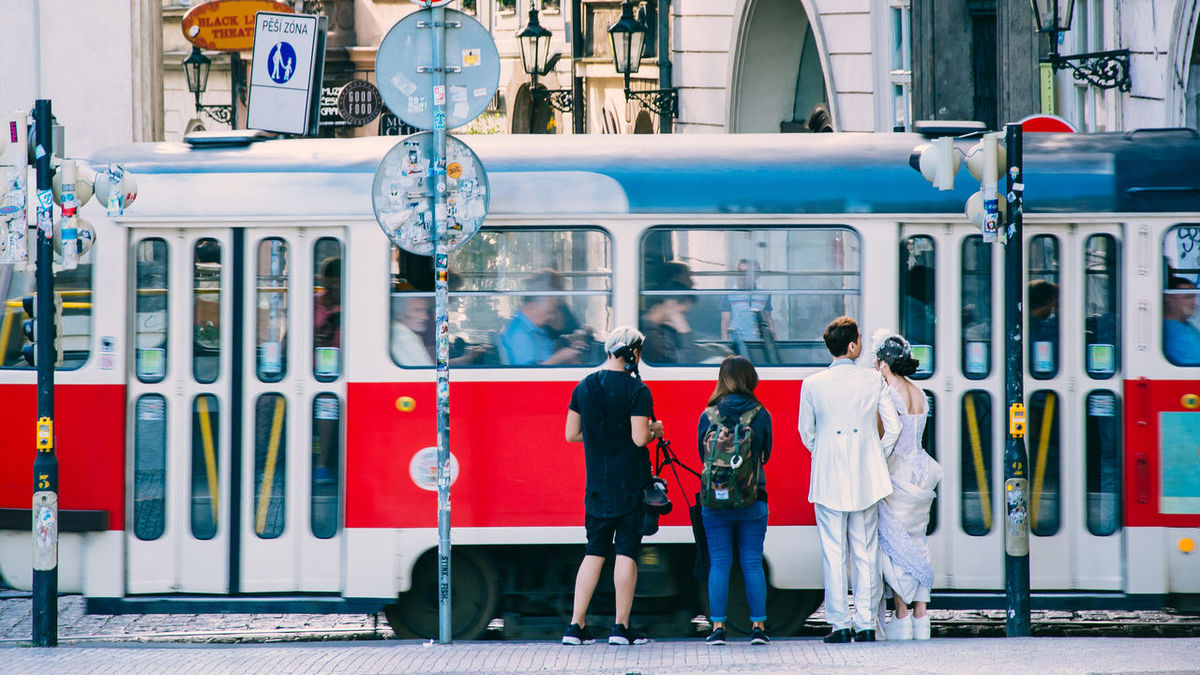 Last Year Photo Shoot Prague Prague Czech Republic Summer Memories... Taking Photos Travel Photography Waiting Wedding Wedding Photoshoot Eyeem Streetphotography Full Length Leftovers Outdoors Prag Prague Old Town Real People Streetphotography Summer 2016 EyeEm Selects