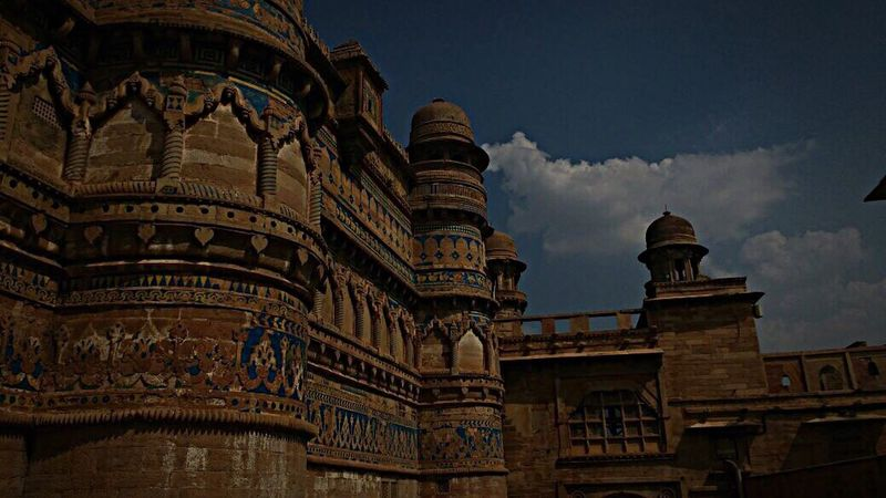 Gwalior Gwaliorfort Gwalior Fort Gwalior_trip Gwalior, India Architecture Architecturelovers Fort Worth Fort History Historical Building History Through The Lens  History Architecture Colours Shotoniphone7 IPhoneography Travel Destinations Travel Photography Travelgram
