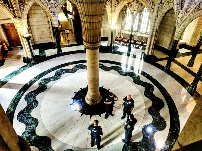 Architecture Indoors  Architectural Column Built Structure Tourism High Angle View Travel Destinations History Real People Day Large Group Of People Illuminated People Adult Officers Security Police Rotunda Google Pixel Google Pixel XL