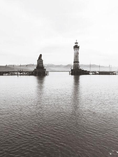 Löwe  und Leuchtturm im Lindauer Hafen I Lighthouse Harbour