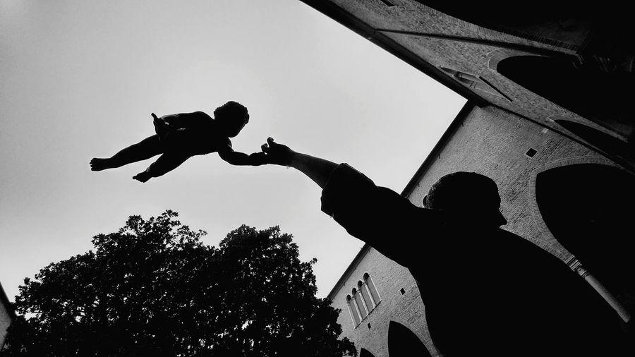 Black And White Friday San Antonio Jesus Gesù Bambino Padova Religion Saint Antonio Religion Spirt Soul Dogma Religione Religious  Elevation Fly Child Holy Days Holy Statue Art Religious Italy