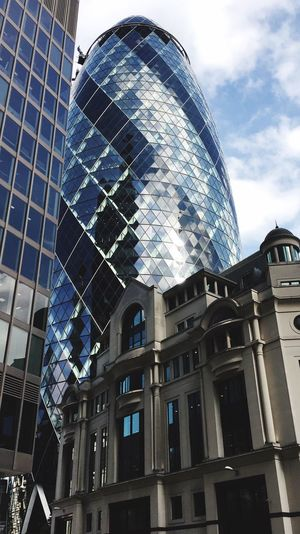 London Lifestyle London Gherkin London City High Life Style Highlifestyle Glass Suits  Architecture Architecture Details Urban Geometry Glassbuilding United Kingdom