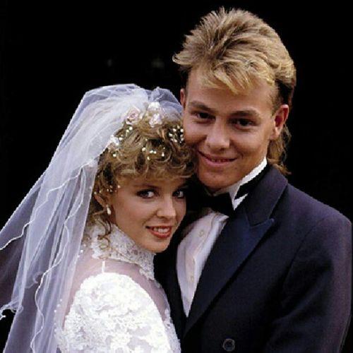 KylieMinogue Jasondonovan ScottRobinson CharleneMitchell Neighbours 1986©™ Aussie TheLogies weddingoftheyear