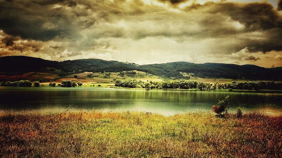 Nature EyeEm Nature Lover Green Beauty Colorful Sky And Clouds Light Eyemlover Relaxing Lake