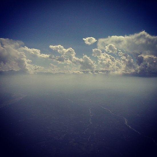 Whr the Earth rises up to meet the Cloudy Sky Skyline Clouds Cloudsurfing Avnerd Avgeek Aviation Aviator Pilotlife Eagleeyeview Cockpitview Flightdeckview River Mountains Bluesky Jnk Indiapictures Incredibleindia Indiatraveller India Jammu Kashmir