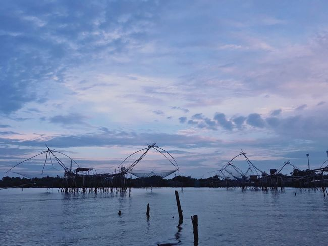 Yor Patthalung Water Sky Cloud - Sky Nature Beauty In Nature Sea Scenics - Nature Waterfront Sunset Silhouette Architecture Fishing Industry