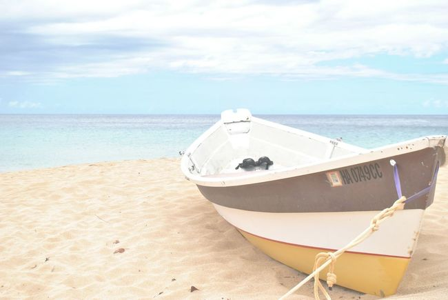 Pastel Power Horizon Horizon Over Water Boat Boats Relaxing Relaxing Moments Beachphotography Beach Hollidays Vacations Vacation Time Sand Beach Photography Beach Life Hollydays Hollyday Peace And Quiet Peaceful