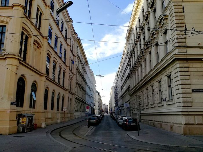 Streetphotography Streetphoto Sunday Afternoon Walk :) Sunday Afternoon Streets Of Vienna Architecture Street Day Building Exterior The Way Forward Car Outdoors Road No People