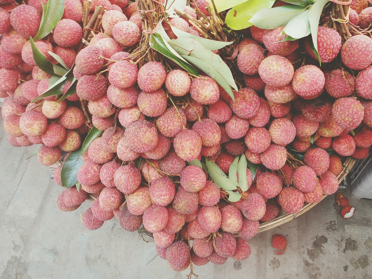 fruit, food, food and drink, for sale, retail, freshness, abundance, healthy eating, large group of objects, market, day, high angle view, outdoors, basket, no people, choice, red, close-up