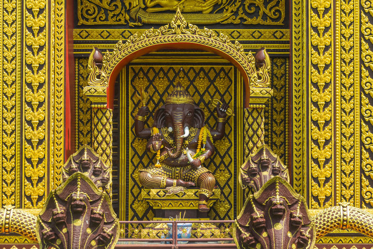 Pattern Thailand Thai Design Temple Gold Background Color Travel Floral Culture ASIA Leaf Traditional Bangkok Art Decoration Wallpaper Architecture Detail Religion Craft Beautiful Golden Door Symbol Texture White Style Flower Decorative Wood Decor Close Antique Wall Ancient Interior Asian  Place Ideas