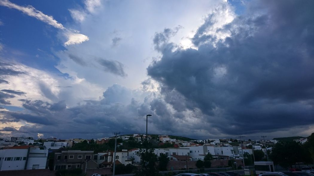 Sky And Clouds Cielo Y Nubes  XperiaXperformance Xperia X Cloud - Sky Sky Nature Clouds Cloud - Sky Sky Night City