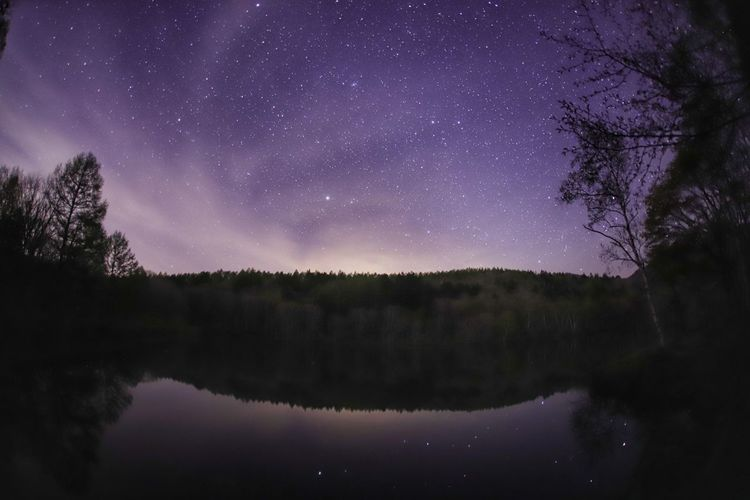 貸し切りの嬉しさと寂しさの戸隠の小鳥ヶ池🎵半分ビビり😅 銀河鉄道の夜♪ 一目惚れんず Landscape Sky Astronomy Galaxy Space Tree Star - Space Milky Way Constellation Astrology Sign Lake Reflection