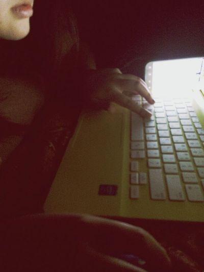 수정이 노트북 예쁘다