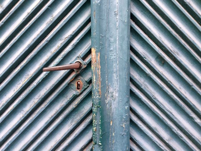 Metal Pattern No People Full Frame Day Backgrounds Close-up Textured  Outdoors Architecture Rusty Built Structure Shutter Protection Security