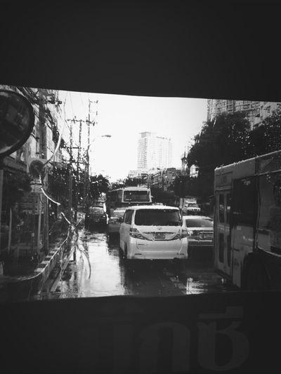 Raining Streetphoto Streetphotography_bw B&w