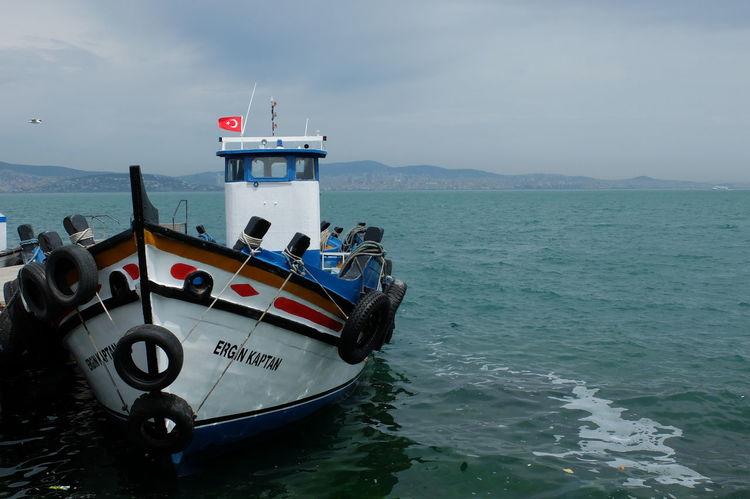 Hello World Taking Photos Turkey Türkiye Princess Island Adalar Traveling Sea Seaside Boat View Beautiful Harbour