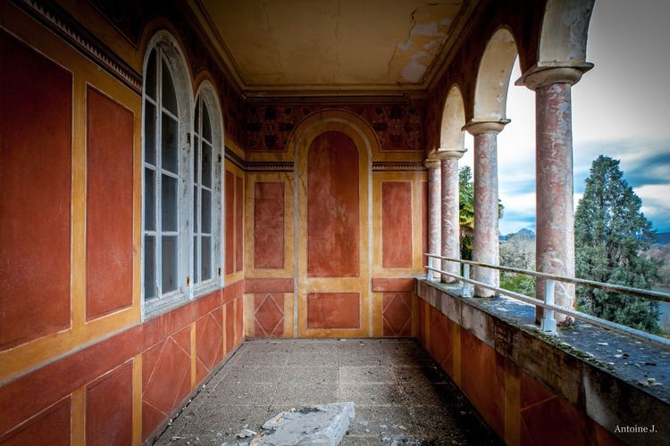 Château de l'Hollandais Palace France Artex Abandoned Abandoned Places Abandoned & Derelict Decay Decaying Decay_nation Urbex Urbexphotography Urbexexplorer Prestige Luxury Luxurious Architecture Architecture_collection Architecturelovers Lignes Lines Colors February Marble