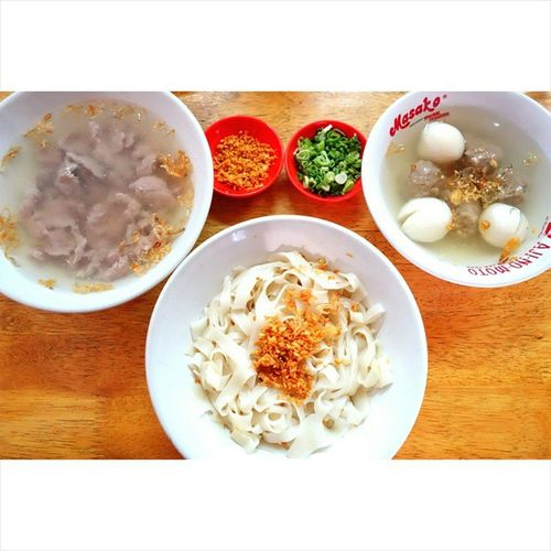Medanese kway teow (ricecake strips) with fishball and meat 😘😍 Yummy Instafood Igfood Instaphoto Foodie Foodgasm Foodforfoodies Foods Foodlover Food Foodpics Foodpictures Foodstagram Foodporn Foodpornasia Hungry Culinary Nomnom Medanese Asian  Hungry Eat Eating Fat Delicious tasty