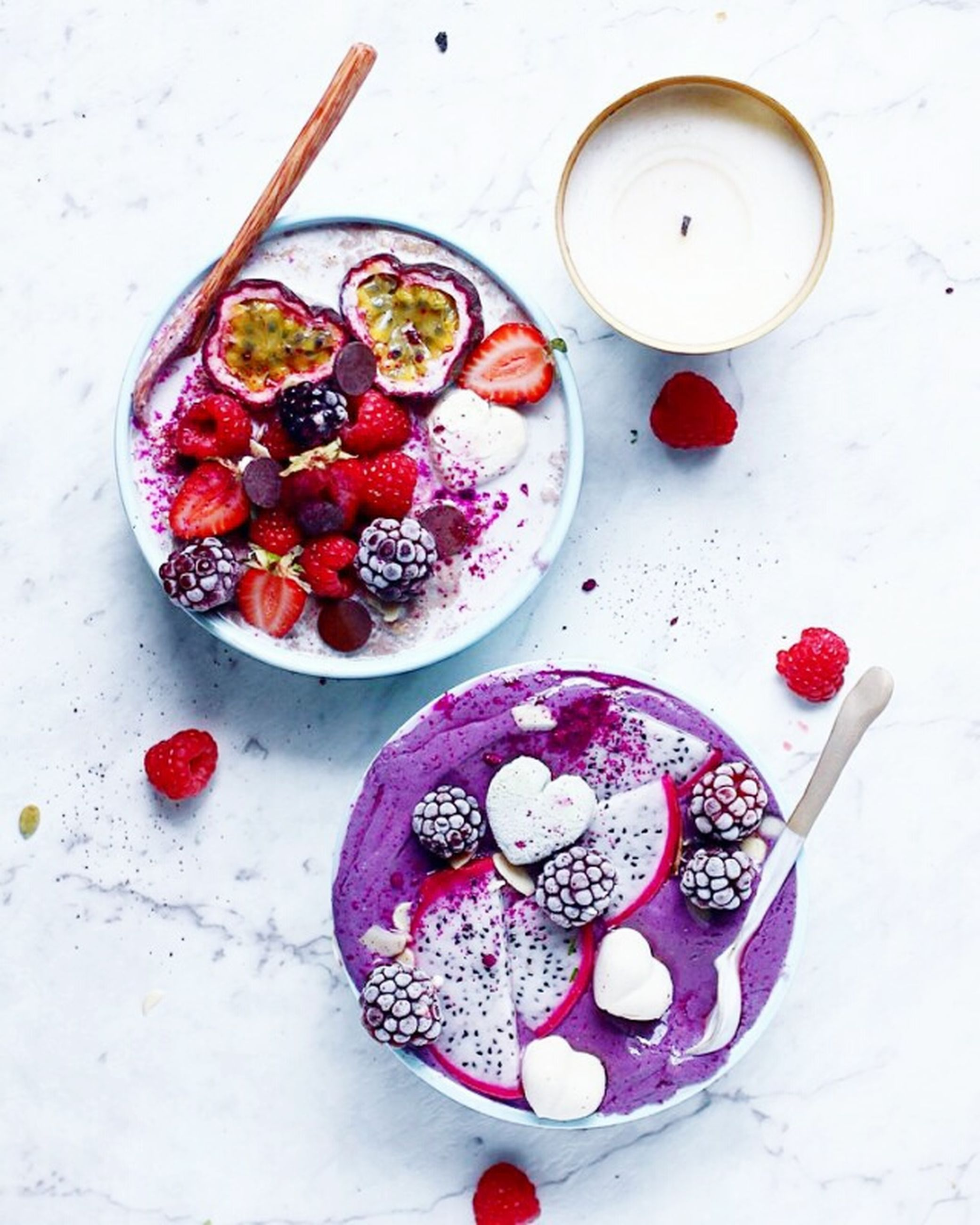 fruit, food and drink, chia seed, high angle view, bowl, freshness, raspberry, healthy eating, smoothie, seed, pomegranate seed, blueberry, drink, yogurt, garnish, pitaya, studio shot, indoors, no people, pomegranate, drinking glass, sweet food, ready-to-eat, close-up