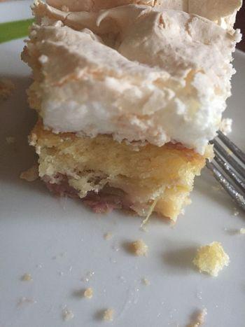 Ich hab es nicht mehr ausgehalten ...😁😋☺️ Rhabarberkuchen Ichliebekuchen Backen ♥ Cake♥ Cake Time Hunger Lecker ⚽️⚽️⚽️ KUCHEN♥ Kuchenliebe