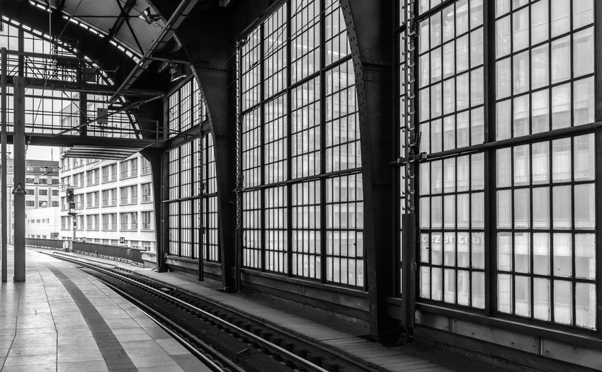 Architecture Bahnhof Bahnsteig  Black & White Black And White Built Structure City Life Day EyeEm Best Edits EyeEm Best Shots - Black + White EyeEm Gallery EyeEmBestPics Indoors  No People Platform Railroad Station Railroad Station Platform Schienen Transportation Urban Urban Exploration