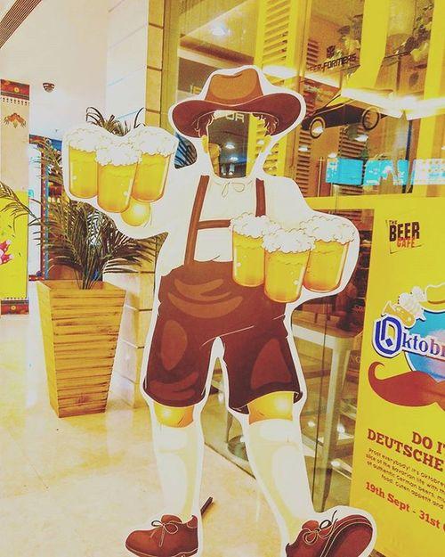 Beer Chugging Festival underway. x Beer Oktoberfest Beerporn Beerstagram DelhiGram Indiagram Sodelhi WhenInDelhi Thebeercafe Corona Erdinger Budweiser Kingfisher Miller Tuborg Heineken Fosters Bira Brahma Harbin Carlsberg Yanjing Skol Tsingtao Coorslight