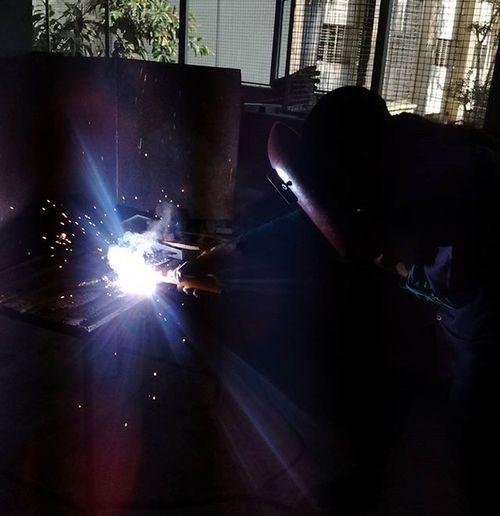 WIELDING at college,.... Engineering is awesome...😘😘😘 🔧🔩🏭🔩🔧🏭 Wielding College Engineering Awsome Spark Photograher Photooftheday Picoftheday Instawielding Bright Brightspot People Skill  India Instalike Work Workshop Mumbai Bhartividyapeeth