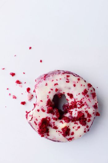 Red Food And Drink Food Freshness Indulgence Sweet Food Temptation No People Ready-to-eat Directly Above Studio Shot White Background Red Unhealthy Eating Indoors  Close-up Day Daughnut Donut Red Velvet Sugar