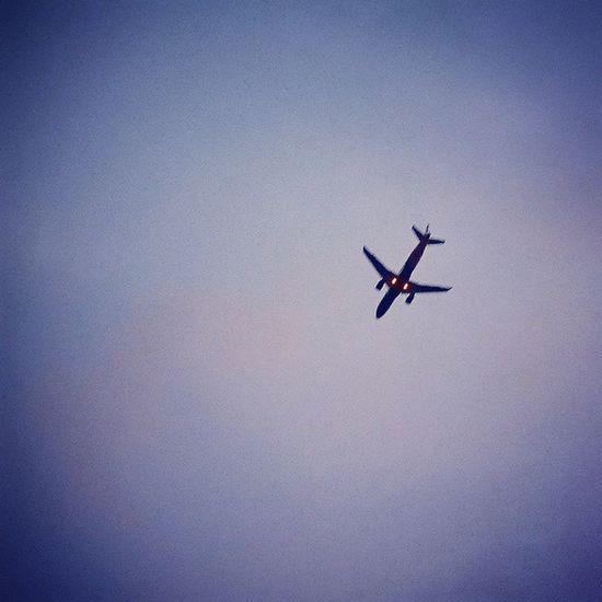 @instagram Whplowaltitude Whp Lookup Plane Aeroplane Flight Fly Flying Sky FlightPath Travel XperiaZ3