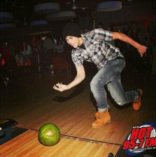 Lol Here's A Picture Of Me Bowling A Watermelon!
