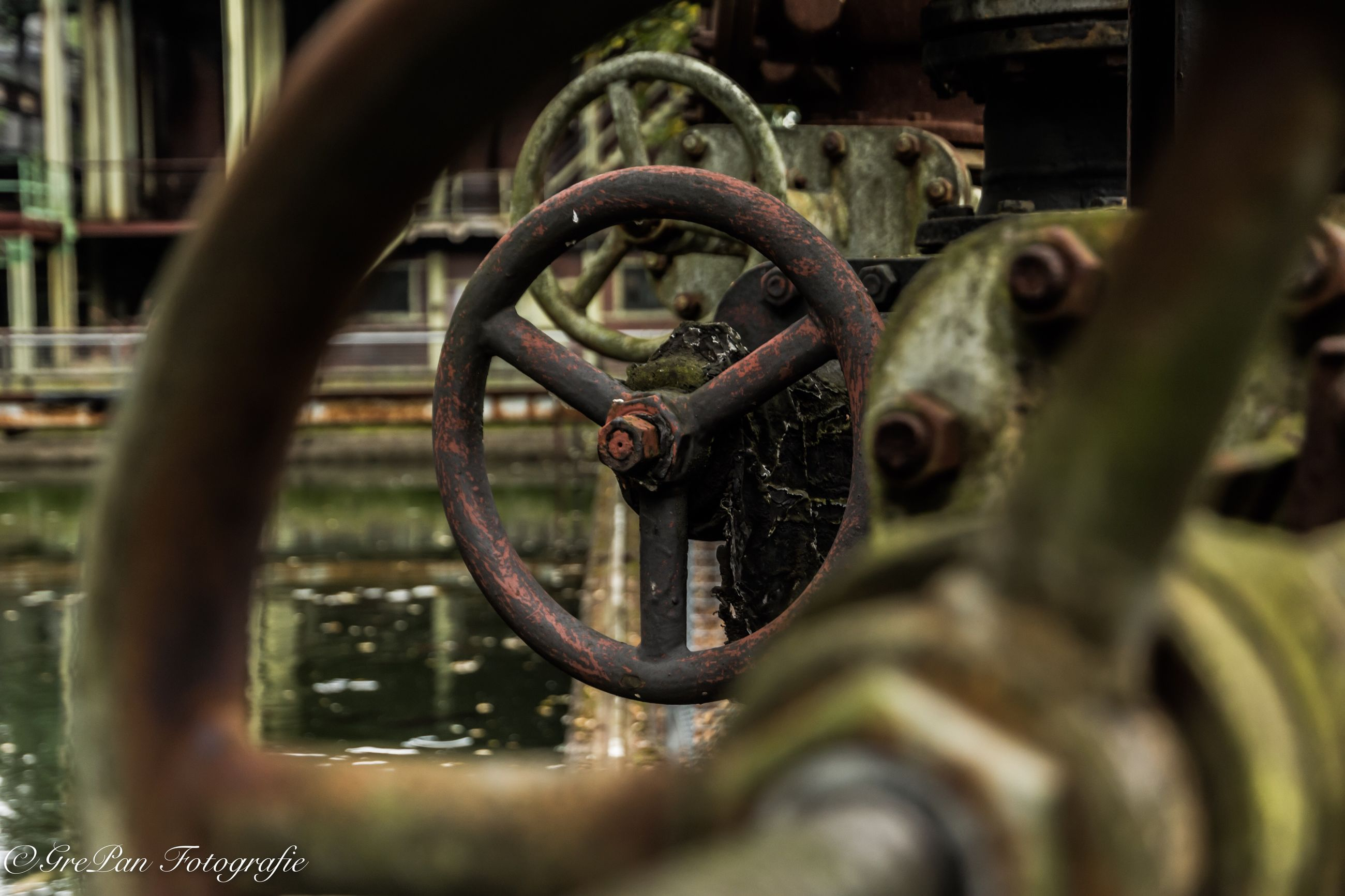 metal, connection, close-up, chain, rusty, metallic, old, strength, selective focus, safety, deterioration, protection, gate, industry, security, machine part, link, weathered, iron - metal, gear, day, valve, outdoors, wrought iron, obsolete, no people