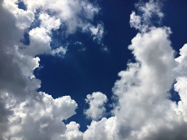 Low Angle View Blue Beauty In Nature Sky Tranquil Scene Cloud - Sky Cloudscape Cloud Heaven