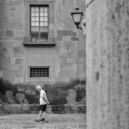 Hombrecitos Laspalmasdegrancanaria GranCanaria LasPalmas Catedral Chatedral Plaza Piaza Ig_laspalmas Instagood Ig_canaryislands Ig_canarias_ Ok_canarias Ok_spain Minimal Minimalist Minimalism Ig_minimalist Architecture Arquitectura Archilovers Spain_greatshots Loves_canarias 7islas_vips