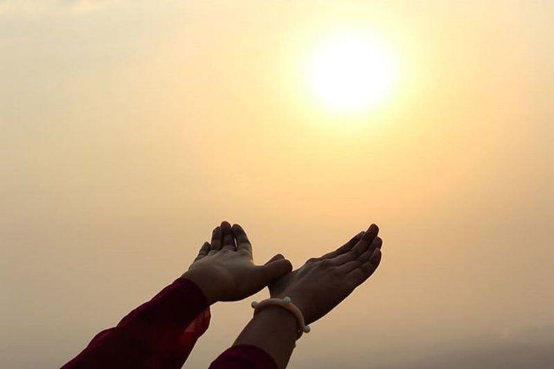 Sunset Instapic Instamoment Freedom Sun Evening Lonavlatrip India_tourism_ Lonavlascenes Maharashtra Hand Red Sky Special_one