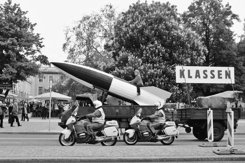 Berlin Day Demo Klasse Merkel Motorcycles Outdoors People Police Polizei Rakete Rocket S/w Trzoska Unterdenlinden V2