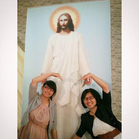 教會是個溫暖的地方 感謝上帝讓我認識你 認識自己並且更有盼望 學會禱告也學會很多事情 你就是道路!! 你就是答案!!阿門!! Jesus Heart Worldpeople Worldplace Lovelife