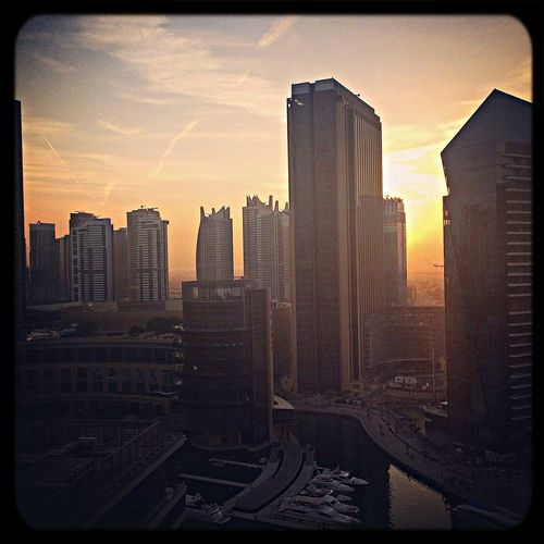 Good morning Dubai! :-) Urban Traveling Hello World Cityscapes Streetphotography