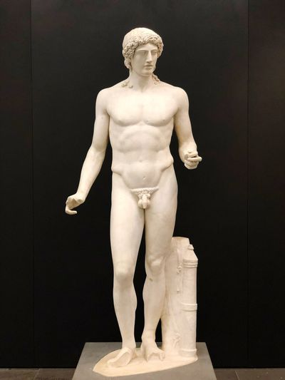 Apollo EyeEm Selects Human Representation Representation Art And Craft Statue Sculpture Indoors  Craft Male Likeness Standing No People Shirtless Mannequin Full Length