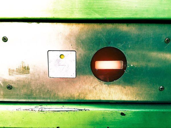 Hey Bvg schafft die Aufzüge am besten gleich alle ab, dann sind sie auch nicht immer Kaputt ! Unreliable