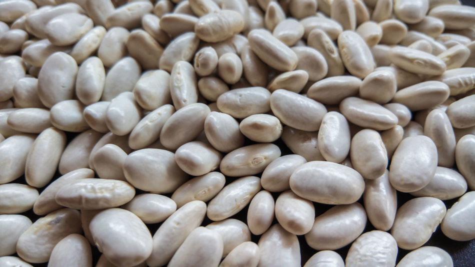haricot_beans_1 Abundance Backgrounds Beans Close-up Day Food Food And Drink Freshness Full Frame Haricot Bean Healthy Eating Heap Large Group Of Objects Repetition Retail  Selective Focus Vegetable