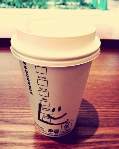 今日はスタバラテに蜂蜜を入れてみました。あー、寒い! Starbucks Coffee Time Art Smile Relaxing Happy EyeEm EyeEmDailyPhoto Cold Days コーヒー スタバ スタバアート Hello World Taking Photos IPhoneography Afternoon Coffee Iphonephoto