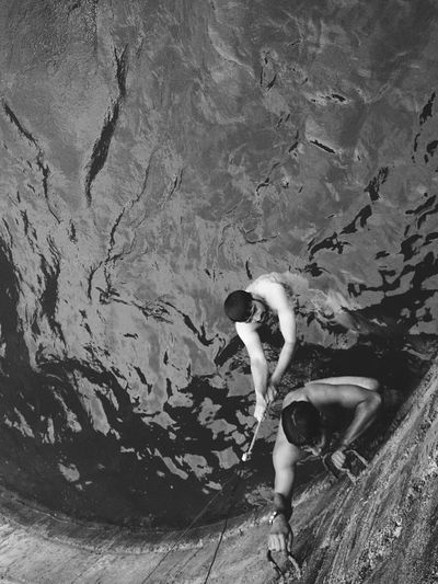 Thats 80 feet deep 😁! Adrenaline Junkie Kickin It Swimming Dug Well Adventure Buddies Adventure Share Your Adventure The Adventure Handbook Check This Out Eye4photography  Enjoying Life Taking Photos EyeEm Best Shots Light And Shadow IPhoneography Mobilephotography Water Water_collection Showcase: February Photographic Memory Swimming Pool Blackandwhite Black And White Monochrome Black & White
