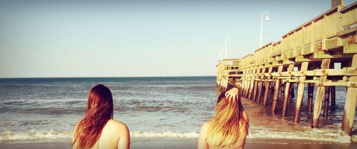 Meet me where the sky touches the sea ?