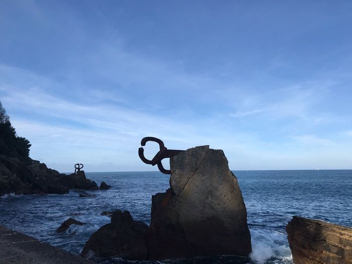 Chillida Sansebastian Peinedelosvientos Chillida Art Water Sea Sky Horizon Over Water Cloud - Sky Horizon Nature Beach Day Rock