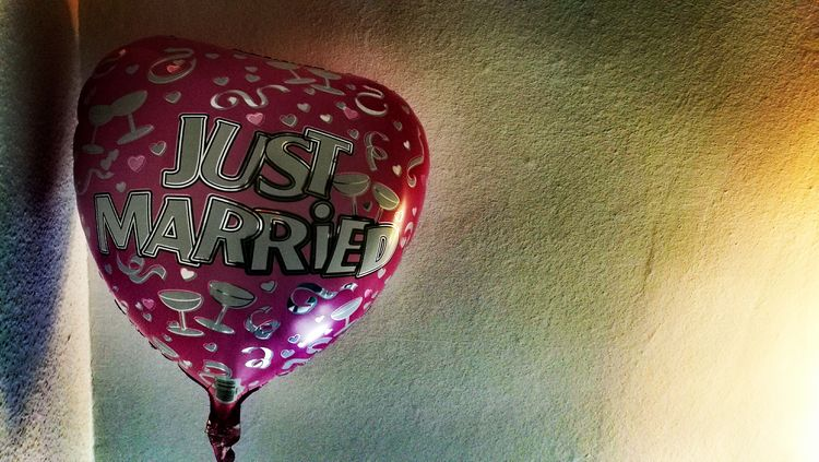 Just Married Not Me Balloon Heart Love Color Palette On The Wall Light And Shadow Berlin Mariendorf Chance Encounters EyeEm Ready