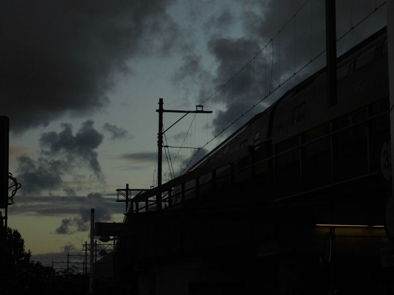 Architecture Train tra Silhouette Clouds And Sky Taking Photos Public Transportation