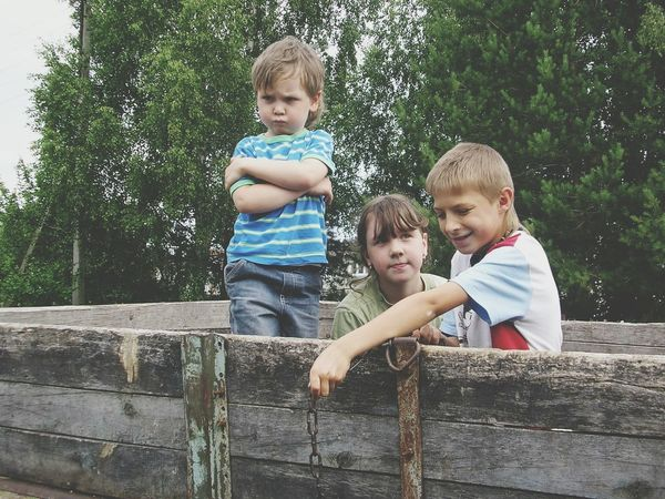 Summer ☀ Summertime Kidsphotography Kids Chuvash Republic Russia россия Littleboy Boy Russia Village Photography Littlegirl Village Life Little Girl Village Playing Faces EyeEmNewHere Kids Being Kids Kids Playing Kids Photography Kids Portrait Kids At Play Kidsportrait Kidsplay дети